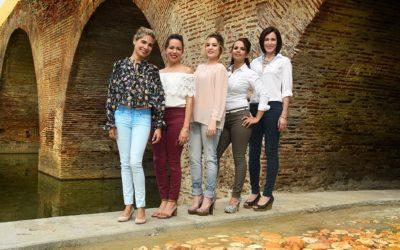 Mujeres-miembros-del-grupo-bajo-puente-del-Yayaybo-